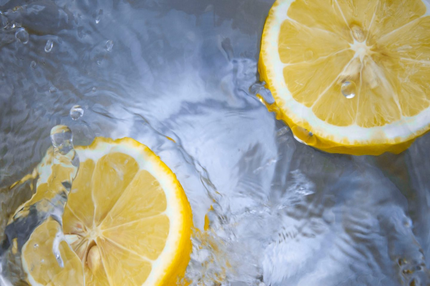 Image of lemon slices in water