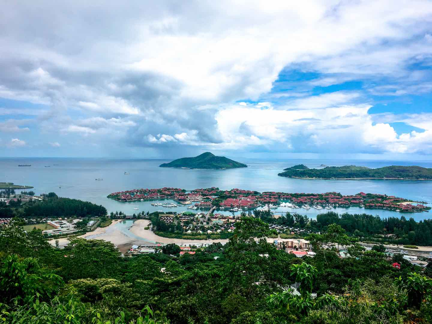 View of Eden Island on Mahe | Image © ExpatAlli.com