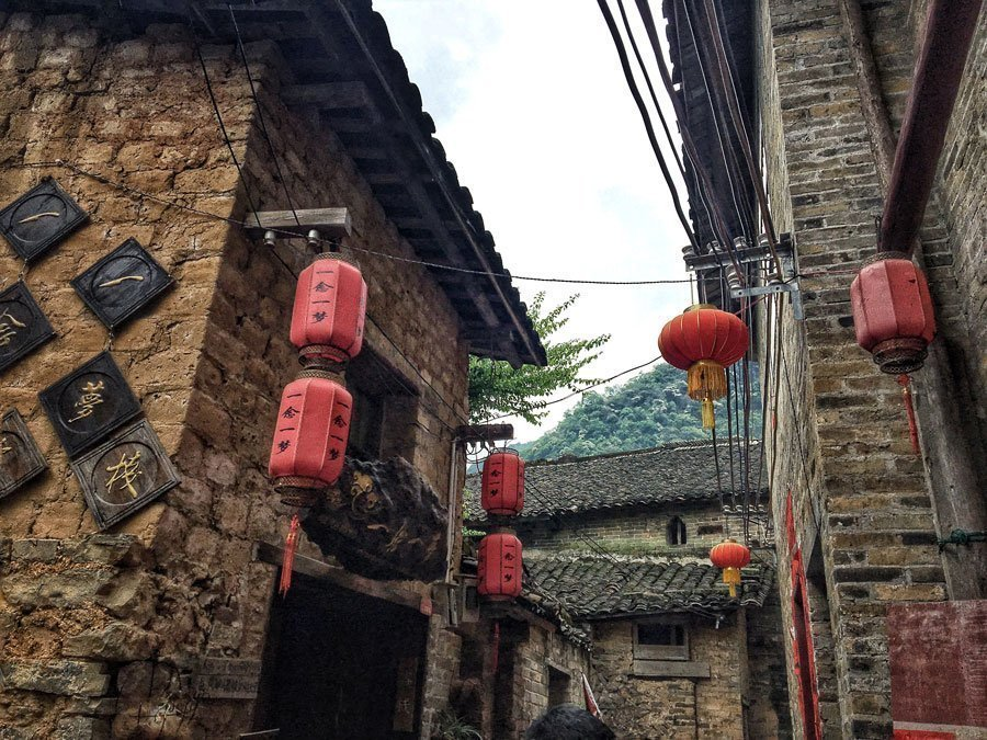 Chinese lanterns in Huangyao | Image © ExpatAlli.com