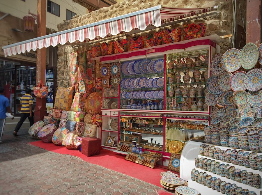 A souk booth in Old Dubai | Image © ExpatAlli.com
