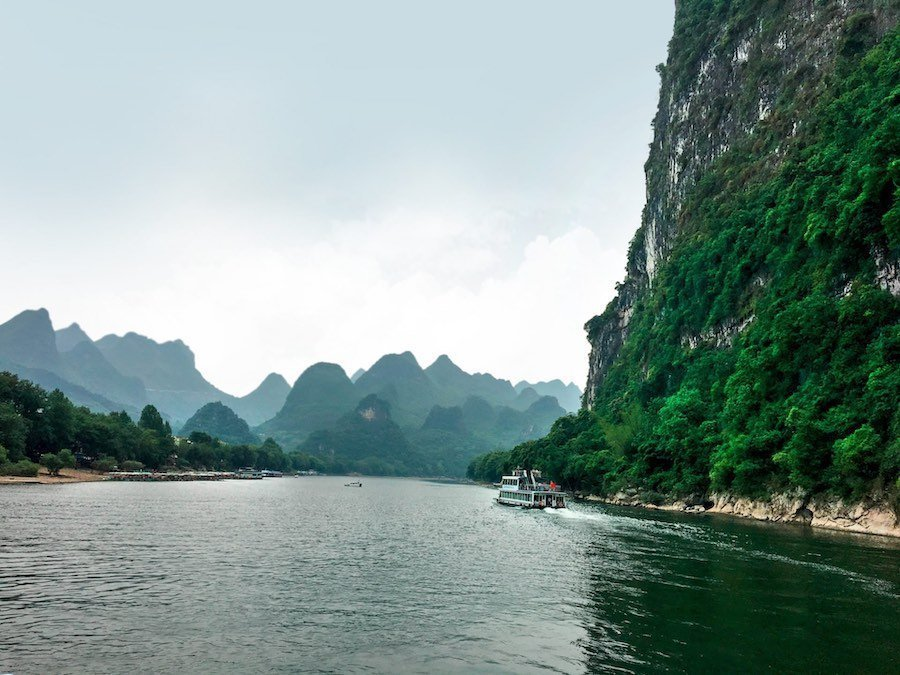Hills on China's Li River | Image © ExpatAlli.com