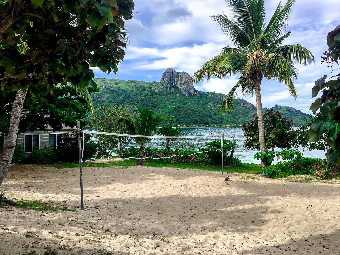 Volleyball net at Barefoot Kuata | Image © ExpatAlli.com