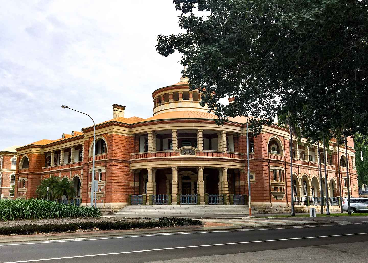 Historic building in Townsville | Image © ExpatAlli.com